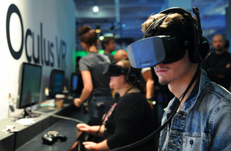 Throw yourself into a video game with the Oculus Rift REX FEATURES