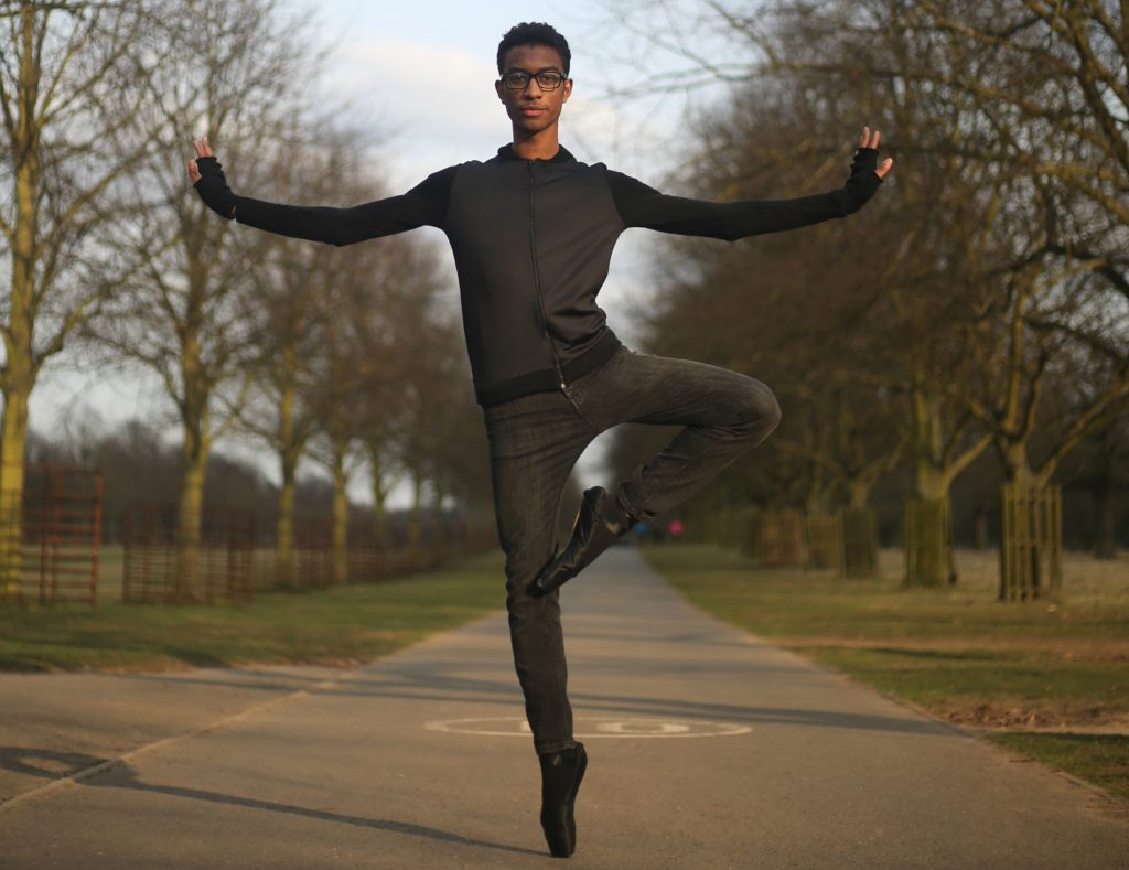 Kadeem Hosein en pointe in Bushy Park (Photo: Ryss Mustafa)