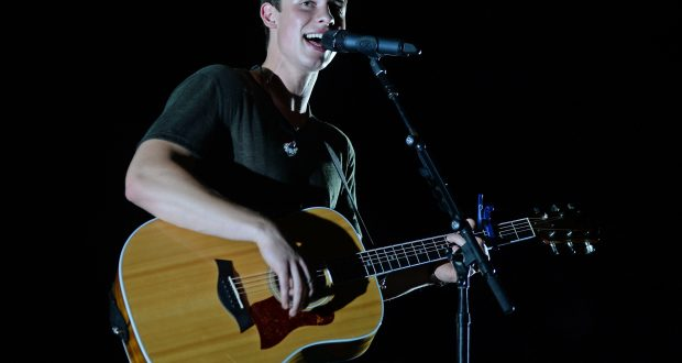 Mandatory Credit: Photo by Larry Marano/REX/Shutterstock (5770966b) - Shawn Mendes