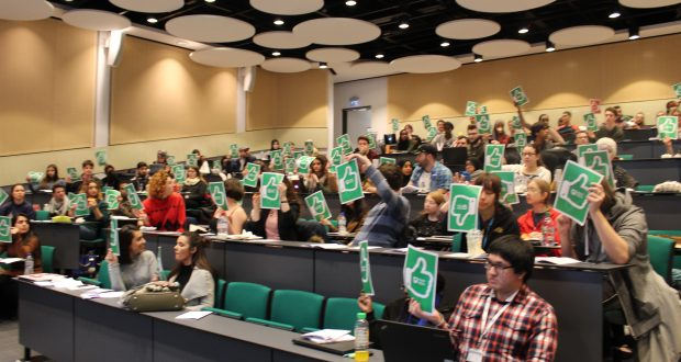 Students voting yes at the first Big Student Meeting. Photo Credit: Holly Duffield, UKS
