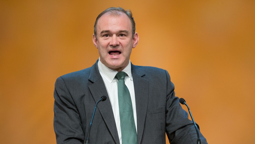 Ed Davey criticised for listing unpaid vacancy