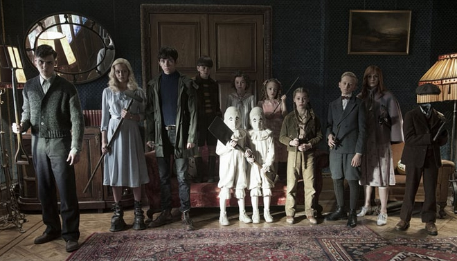 Miss Peregrine: Bizarre fantasy with plotholes