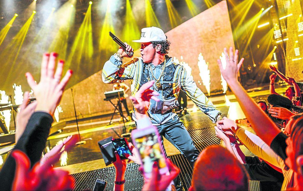 Bruno Mars's new album '24k Magic' brings 90s funk and pop
