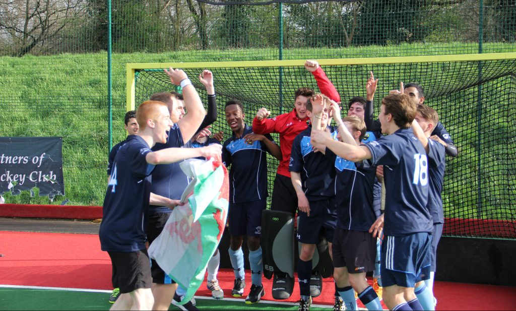 KU hockey team win the league after beating Royal Holloway
