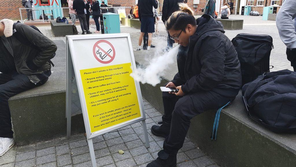 Kingston courtyard ban on E-Cigarettes