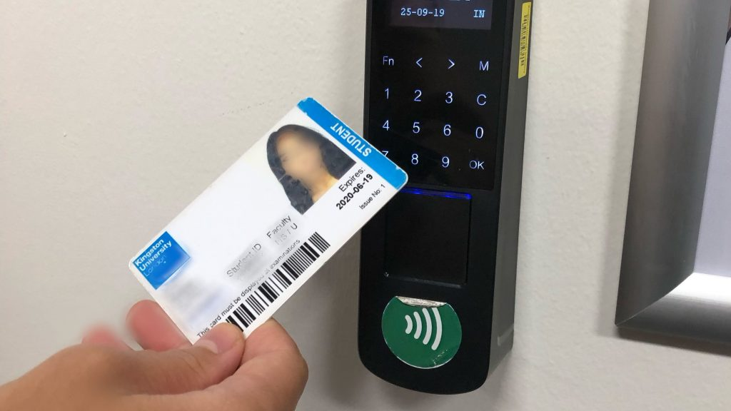 Electronic check-in makes no difference to student attendance