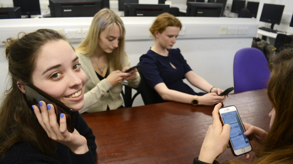 Generation Mute: Why do anxious students not pick up the phone?