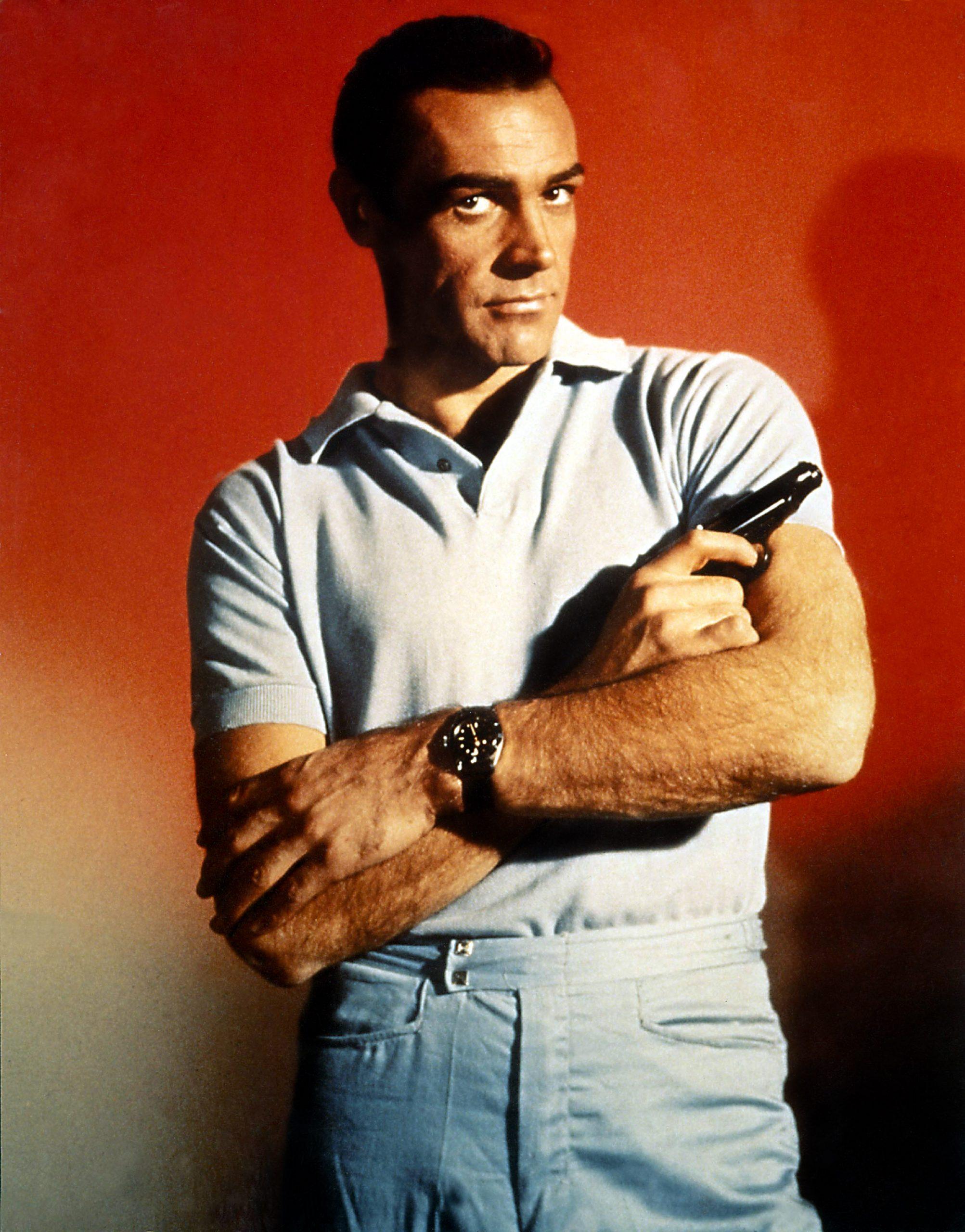 Still shot of Sean Connery holding a pistol as 007.