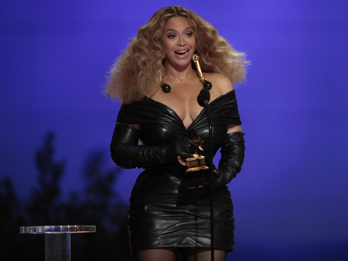 Beyonce Knowles makes History with the Best E&B Performance winning 28 Grammys, more that any female or male performer, accepts the award for Best R&B Performance at the 63rd Grammy Award outside Staples Center  14 Mar 2021